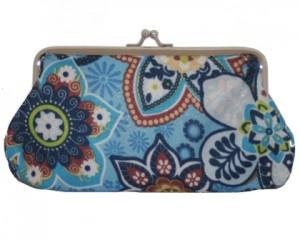 Aflang blå pung med flot mønster