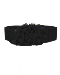 Elastikbælte i sort med stor stofblomst foran