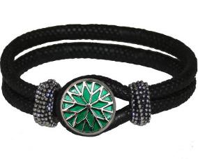 Sort læder armbånd med grøn chunk smykke online