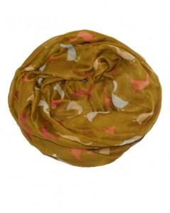 Tørklæde i grønbrune farver med gæs i orange, gul og grå
