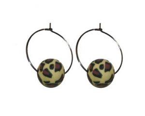 Billige øreringe med fimoperler i leoparddesign kun 19 kroner