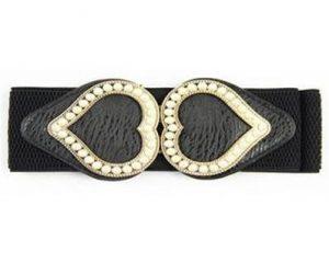 Køb sort elastikbælte med hjertespænde med perler på tilbud online hos Smikka