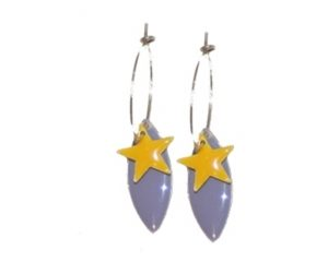 Øreringe med stjernevedhæng i gul på tilbud 30 kroner online webshop Smikka