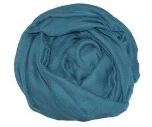 Bestil tørklæde i blå billigt online til 89 kroner hos Smikka