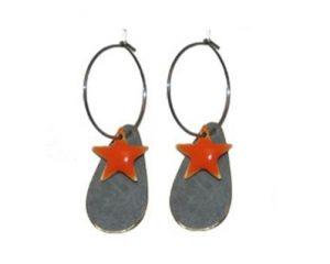 Køb dråbeformet øreringe med stjernevedhæng billigt online