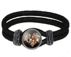 Køb sort armbånd med aftagelig smykke online Smikka