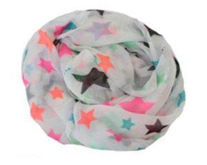 Hvidt tørklæde med stjerner i neonfarver