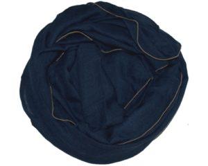 Mørkeblå tørklæder med guldkant i elegant look