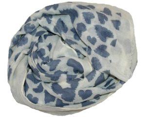 Hvidt tørklæde med blå hjerter