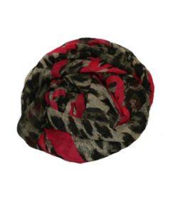 Tørklæde med hjerter og leopardmønster