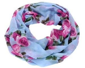 Nye tubetørklæder på lager med roser