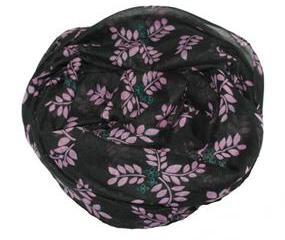 Tørklæder i sort med lilla blomster og grene