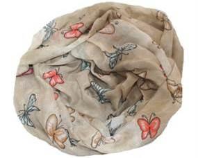 Beige tørklæde med sommerfugle i forskellige farver