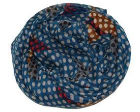 Tørklæde i blå med mixet mønster af prikker og felter
