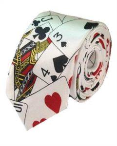 Slips med kortspil som mønster. Sjovt slips til årets julefrokost