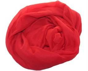 Ensfarvet tørklæde i rød i god kvalitet