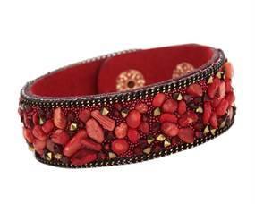 Armbånd i rød med små sten. Accessories i rød online Smikka