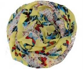 Gult tørklæde med sommerfugle