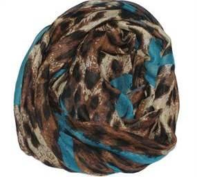 Tørklæde med mønster og hjerter i blå