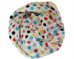 Tørklæder med polkaprikker. Hvidt tørklæder farvede prikker