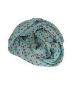 Kortørklæde med prikker. Bestil jeres kortørklæder hos Smikka online